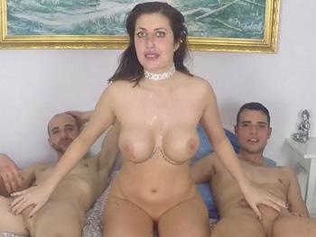 La TETONA Gisela, 2 RABAZOS para ella solita y nuevas LECCIONES DE SEXO con una autentica diosa